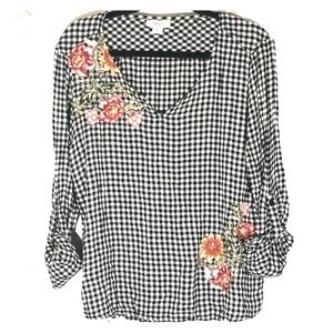 Style&co Black & white gingham embroidered top XL